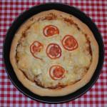 Pizza paradicsommal