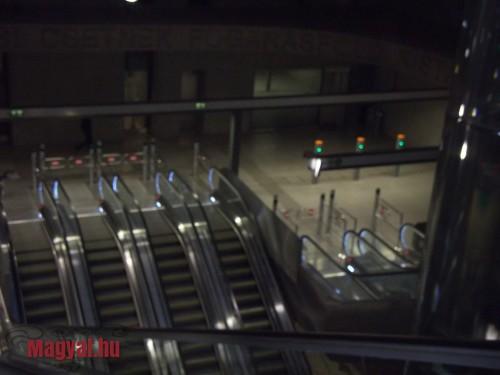 Budapest M4 metró mozgólépcsői