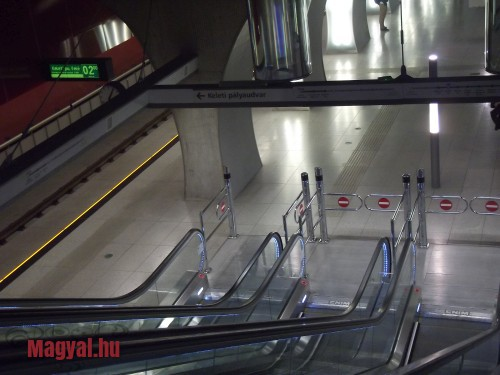 Budapest M4 metró mozgólépcső
