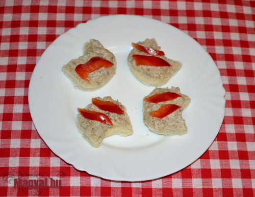 Laskagombás szendvicskrémes mini szendvics
